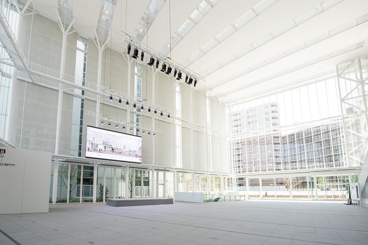 横浜市役所アトリウムの写真